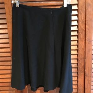 DKNY SHORT BLACK SKIRT.